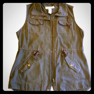 Women's lg Army Green vest, gently used